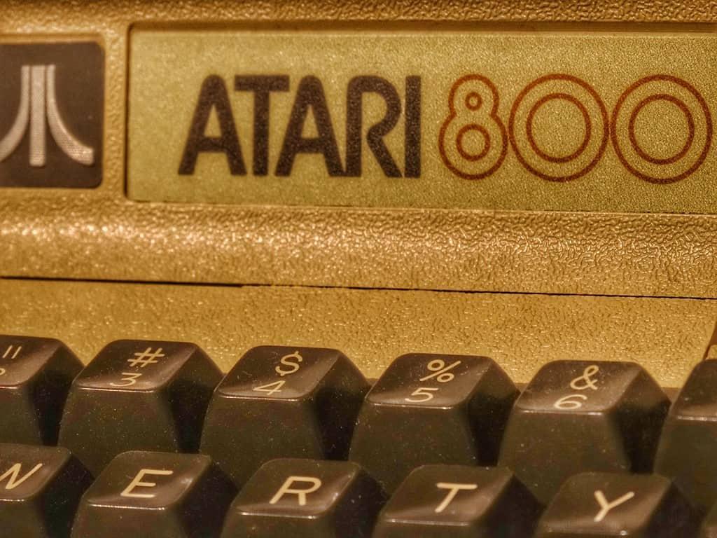 Foap-Retro_Atari_800_Game_Console-sm