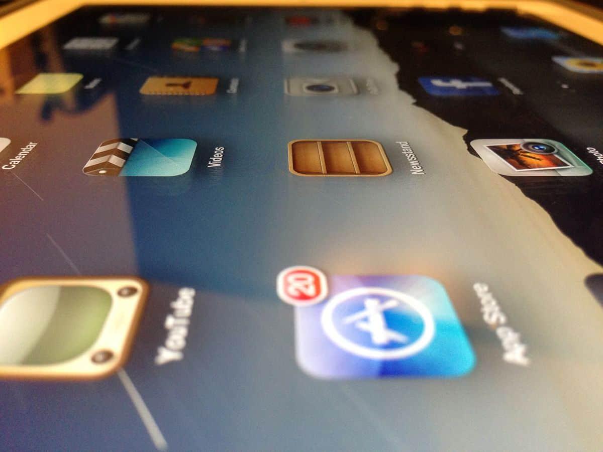 ipad_screen_mobile_app_testing