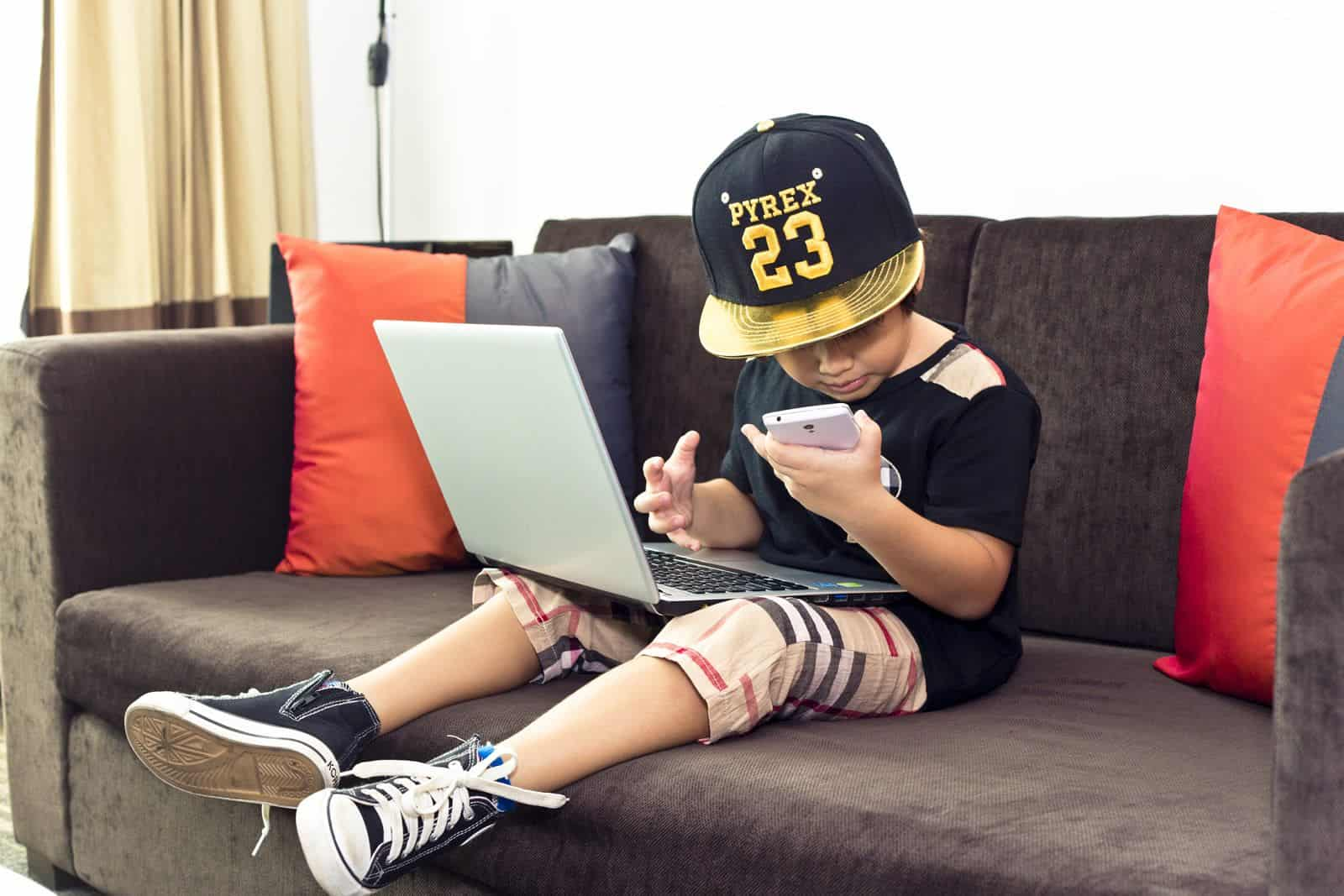 Kid_and_technology_mobile_app_developers