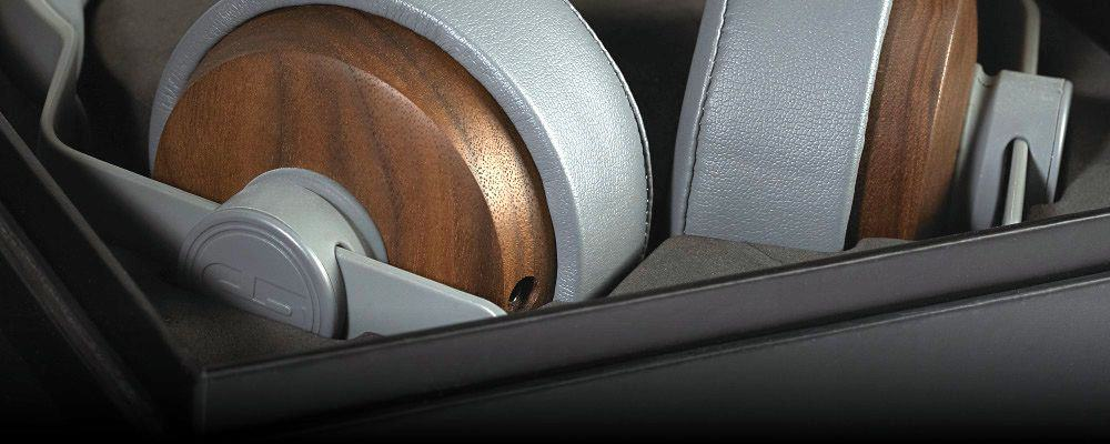 Upclose look at the well-sized ear cushions of the OEHP .01[1] by Grain Audio