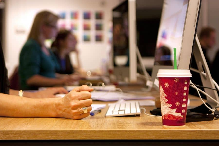 6 Ways Your Graphic Design Business Is Falling Behind the Times