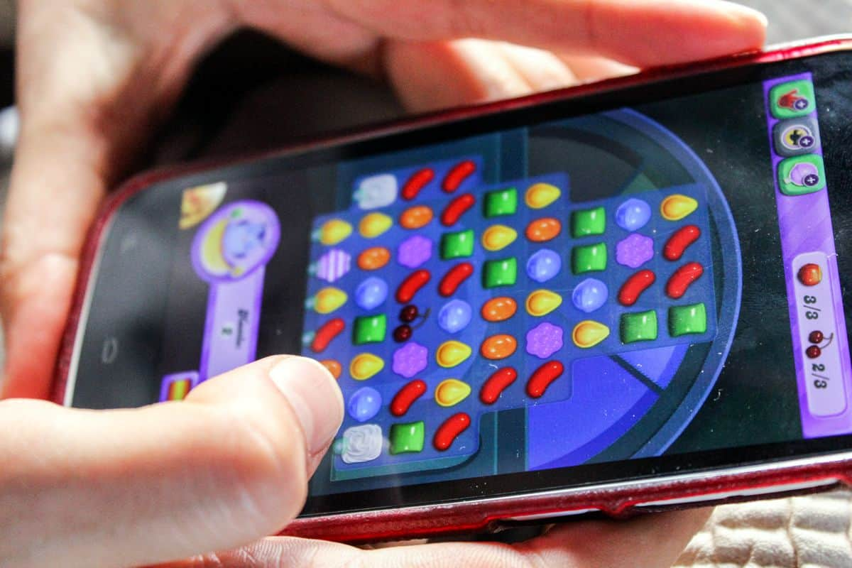 How to Design a Mobile Game So Addictive It's Almost