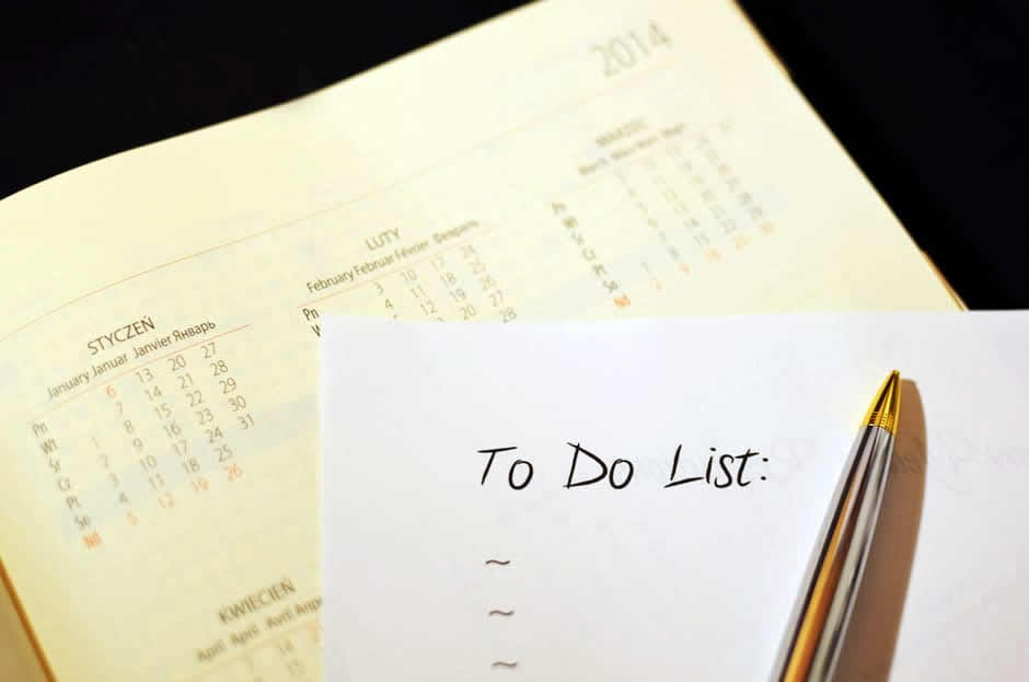 Image of a calendar and to-do list