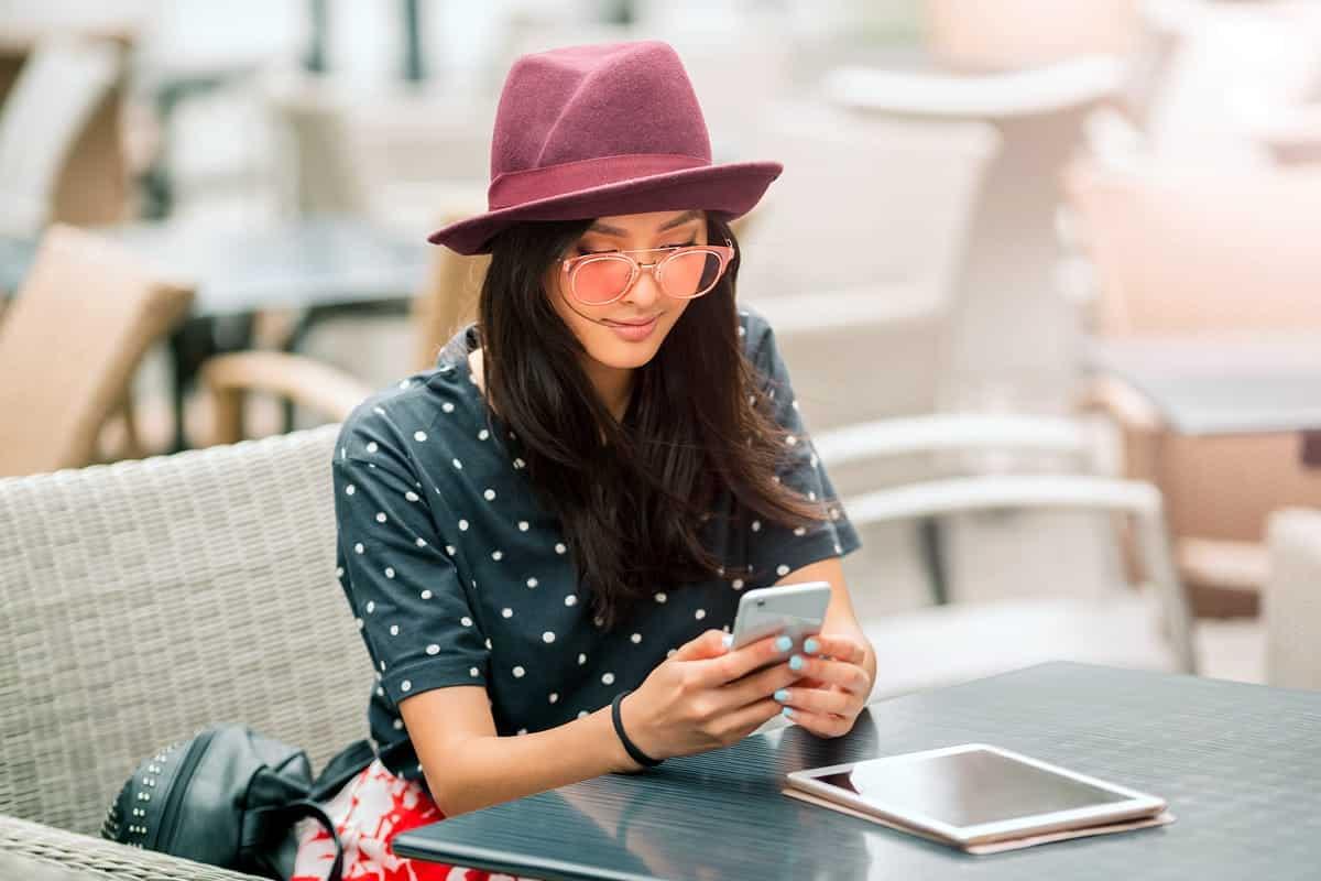 Stylish woman on a smartphone.