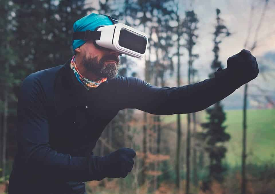 Virtual Reality User Experience and Design
