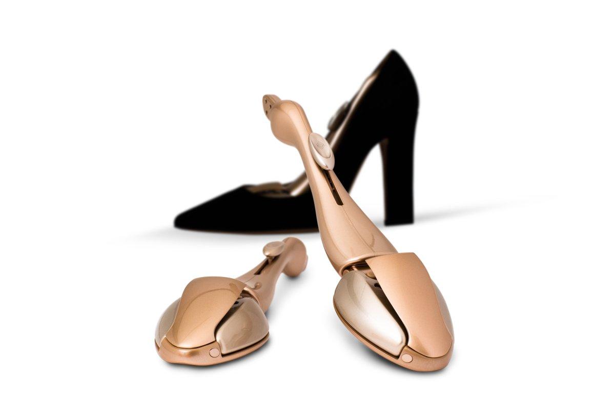 A photo of Formé shoe shapers.